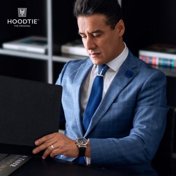 tenue Couvre noeud de cravate en titane bleu